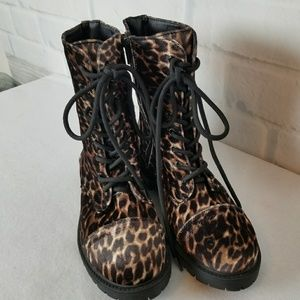 Madden Girl Size 7.5 Combat Boots